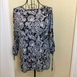 Cable & Gauge Paisley Tunic Blouse 👚